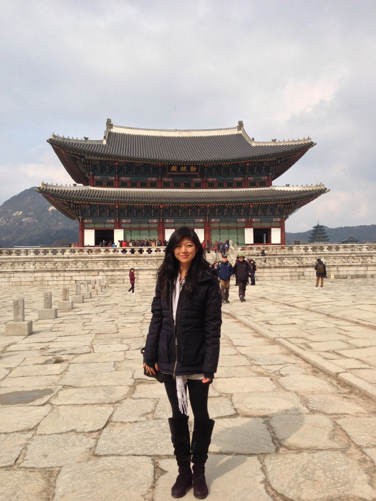 Being a good tourist at Gyeongbokgung.